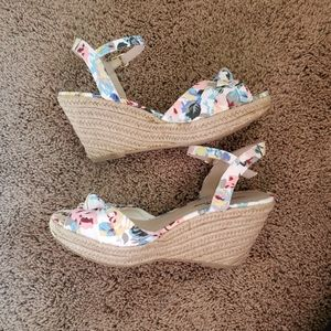 Montego Bay Club Floral Wedge Sandals Sz 8.5